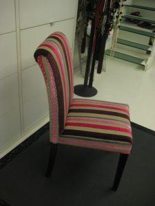 silla tapizada rayas