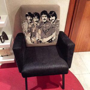 silla tela tapizada con los beatles